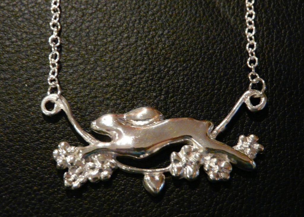 Running hare necklace