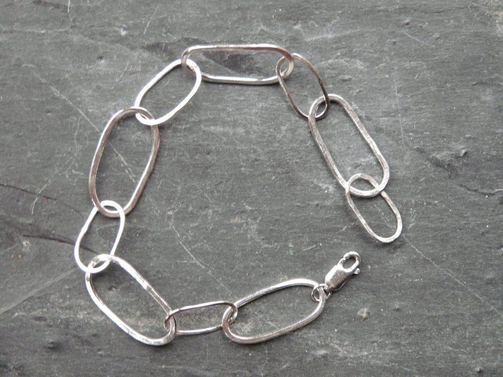 silver oval links bracelet